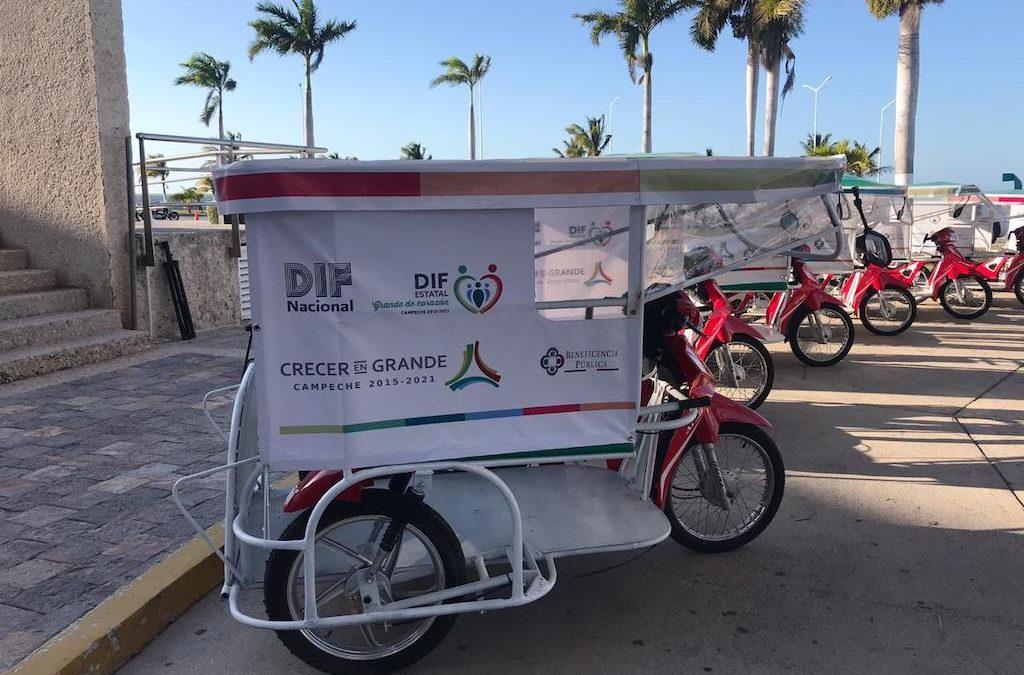 Entrega de motos adaptadas para personas con discapacidad