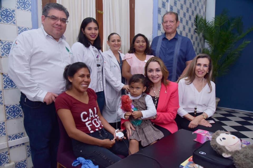 Encendido del primer implante coclear realizado en el Estado