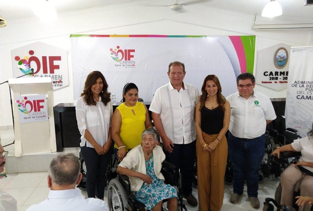 Entrega de aparatos funcionales en el municipio de Carmen