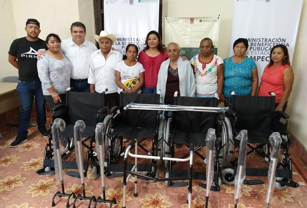 Entrega de aparatos funcionales a los municipios de Calkiní y Tenabo